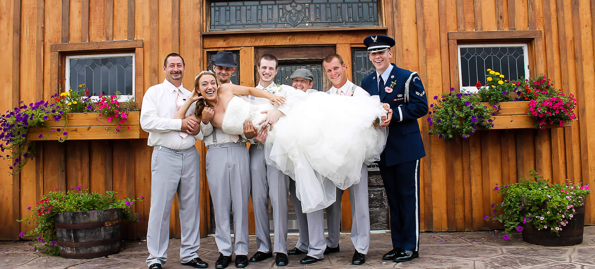 kentucky weddings and elopements at southern grace barn on the farm