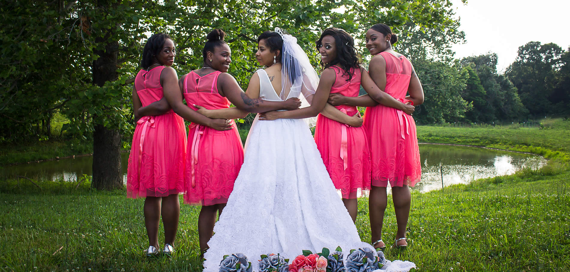 kentucky barn weddings at southern grace - bride and bridesmaids in pink