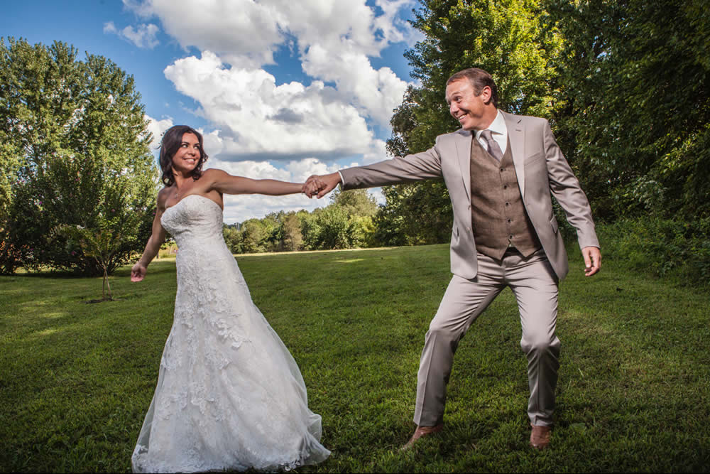 kentucky weddings and receptions on farm - bride with groom