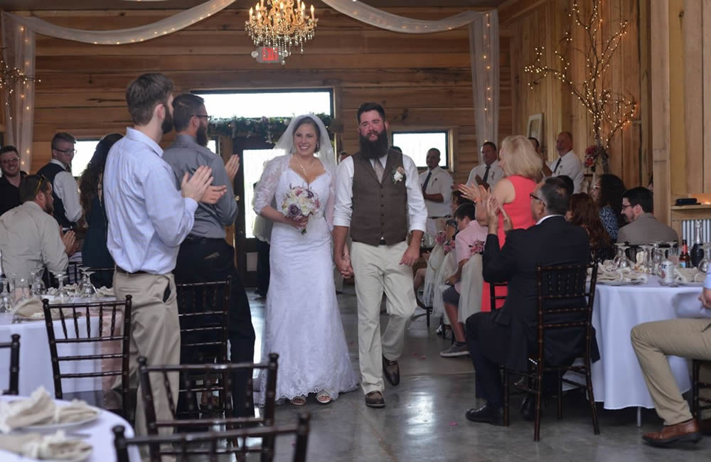 kentucky weddings and receptions on farm - bride and groom