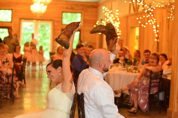 kentucky weddings and receptions on farm - bride and groom with boots