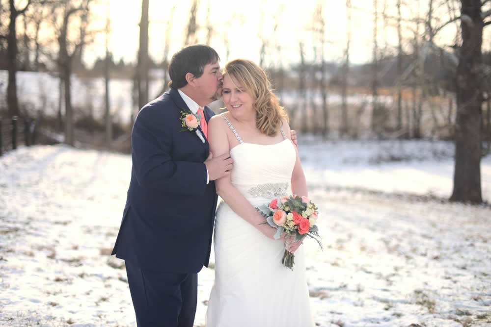 kentucky weddings and receptions on farm - bride and groom in snow